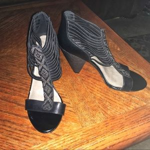 Vince Camuto Blk Strappy Beaded Heels, Sz 7.5
